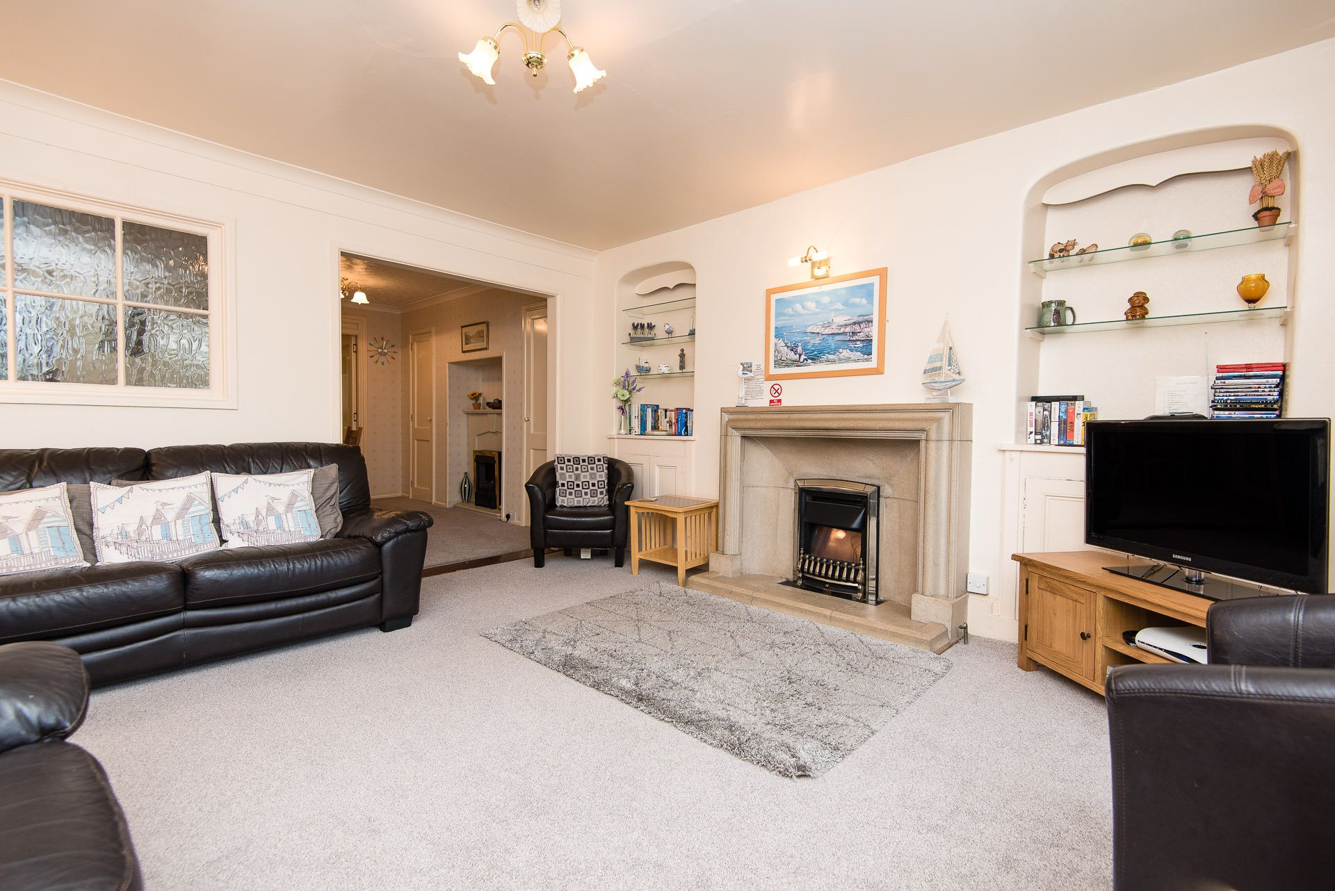Quayview Apartment in Looe living room into dining area