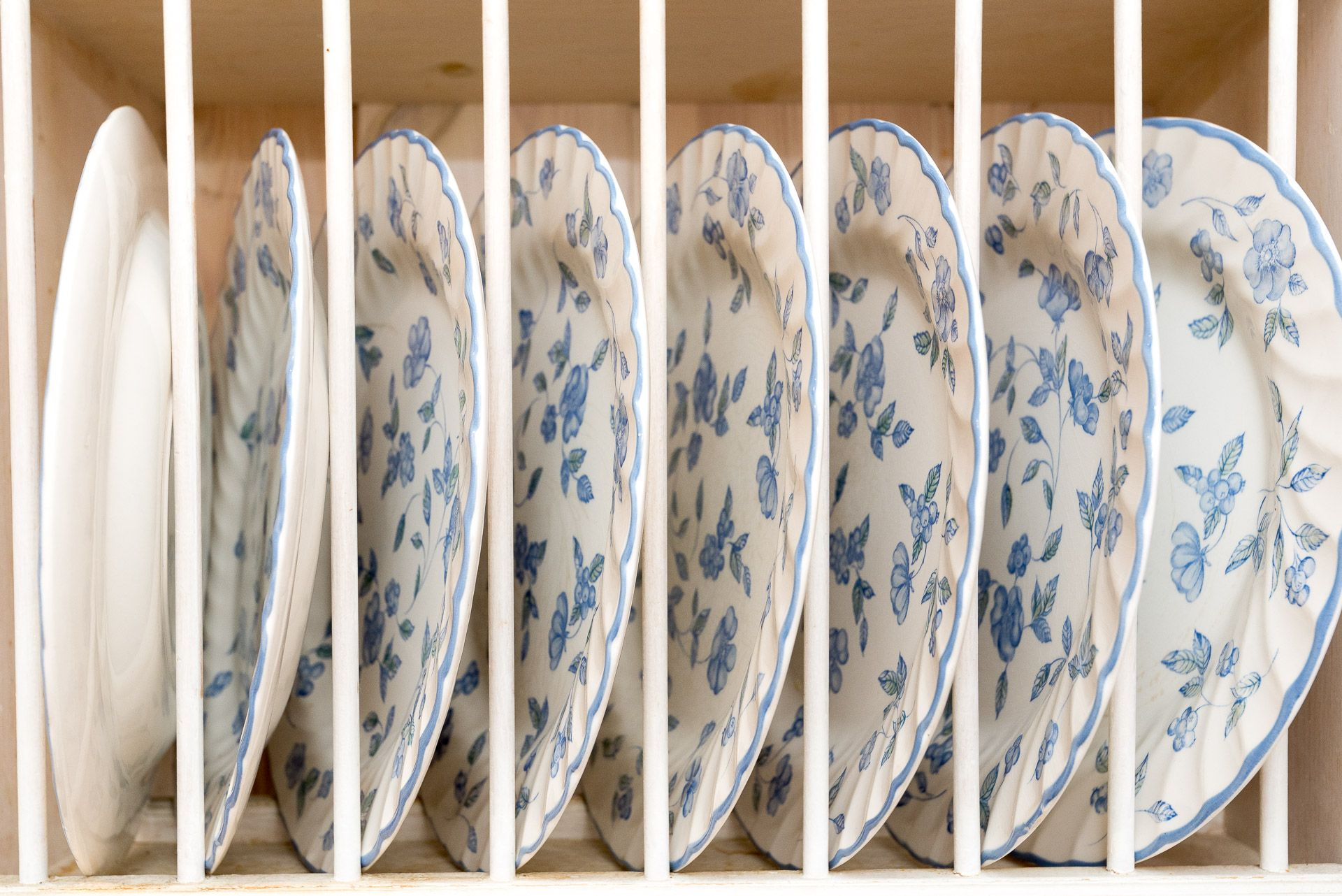 Quayview Apartment in Looe crockery and utensils supplied