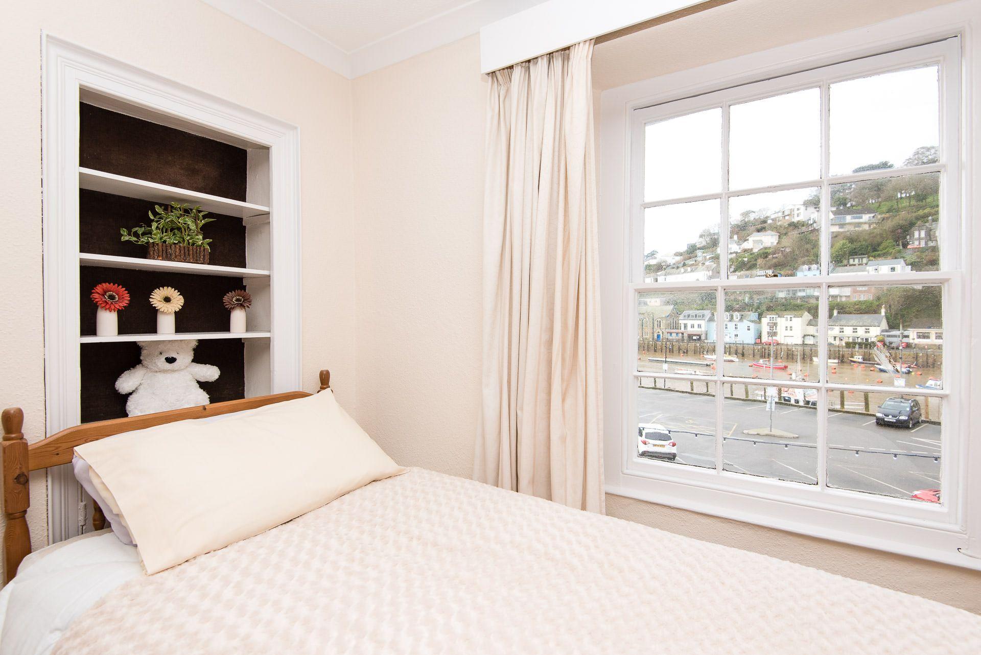 Quayview Apartment in Looe master bedroom window view