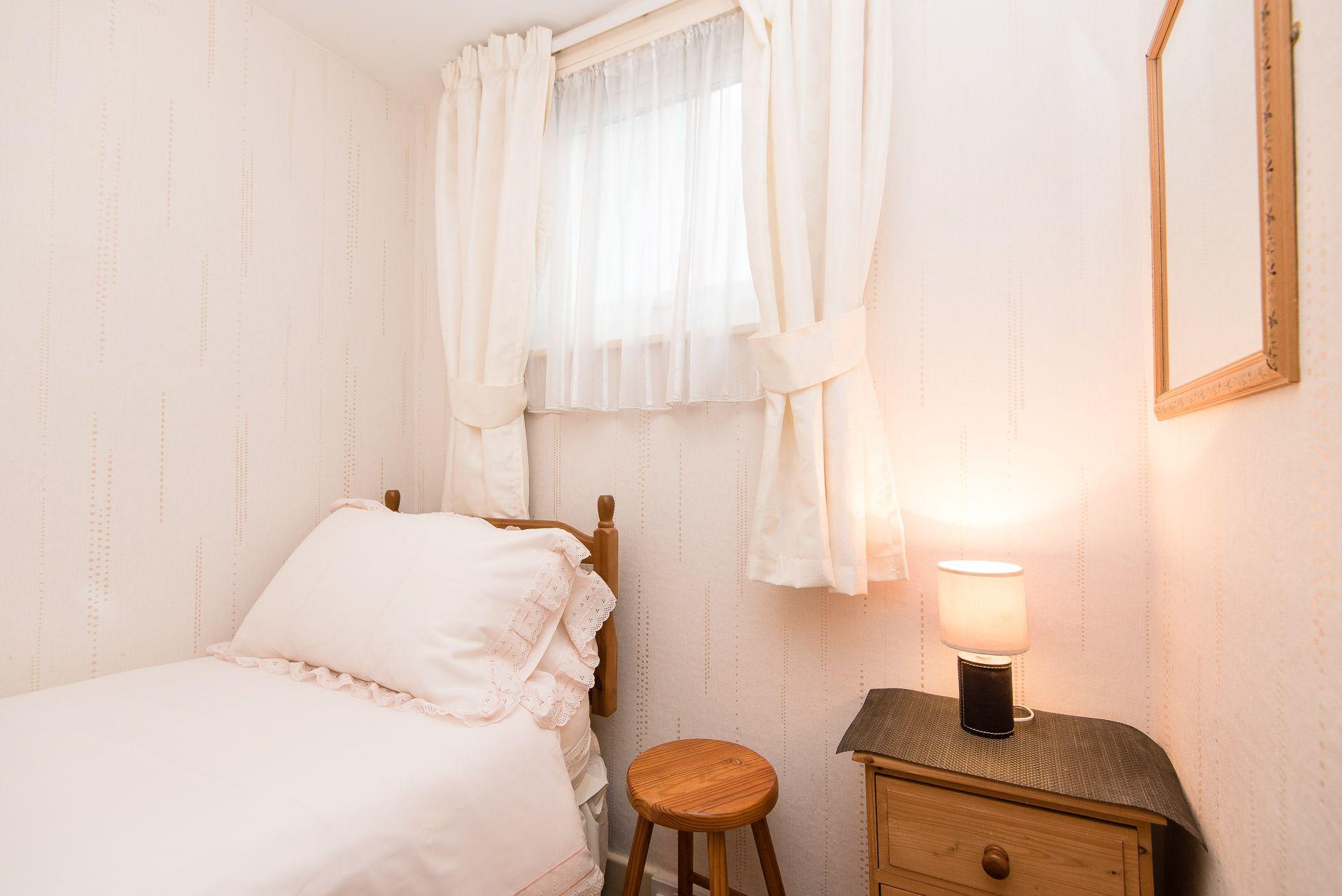 Quayview Apartment in Looe single room
